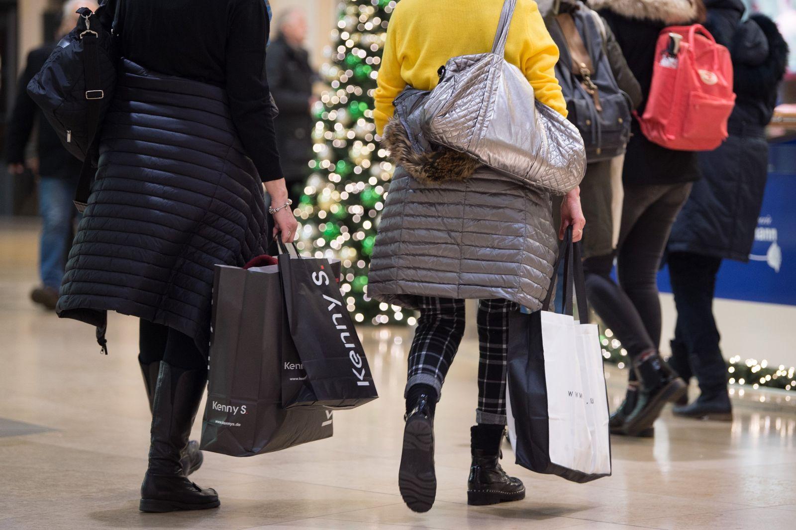 Weihnachtsgeschäft / Einkaufszentrum