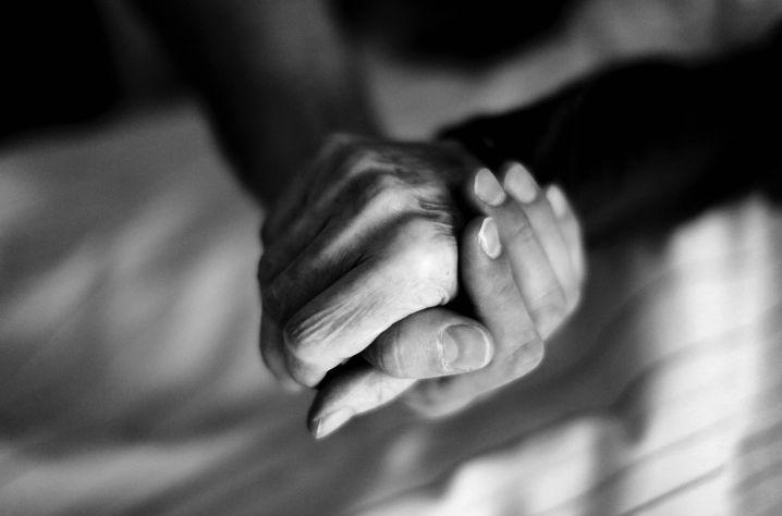 Pfleger und Sterbende