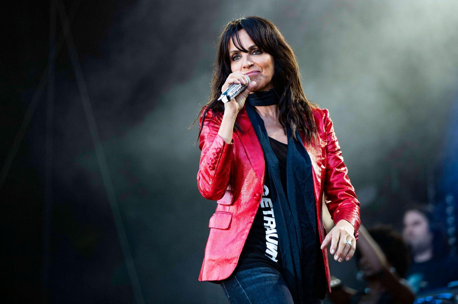 Nena live beim Sommer Open Air Picknickdecken Konzert im Steigerwaldstadion. Erfurt, 04.08.2020 *** Nena live at the su