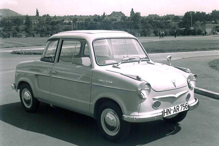 NSU Prinz: 1958 wurde der Kleinwagen NSU Prinz I in Neckarsulm präsentiert. Das Auto verkaufte sich gut, doch zum Schlager wurde erst der sehr viel kantigere und moderner gestaltete Prinz IV, der 1961 auf den Markt kam