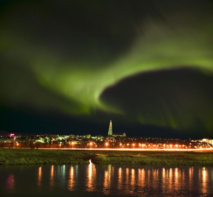 Lichtschleier über Reykjavik
