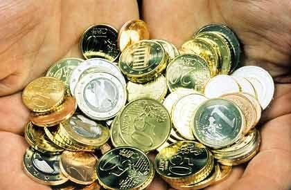 Sie sehen eine Handvoll Euros