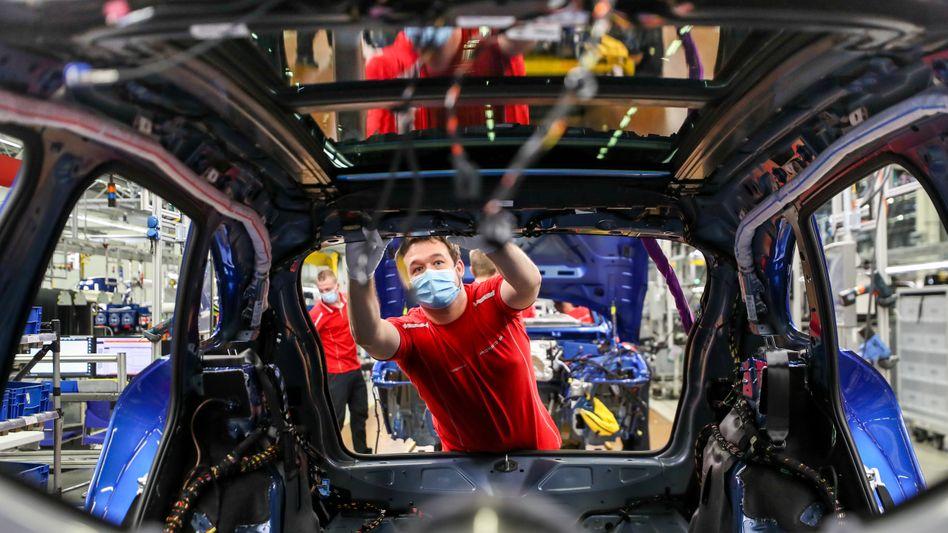 Montage im Porsche-Werk in Leipzig