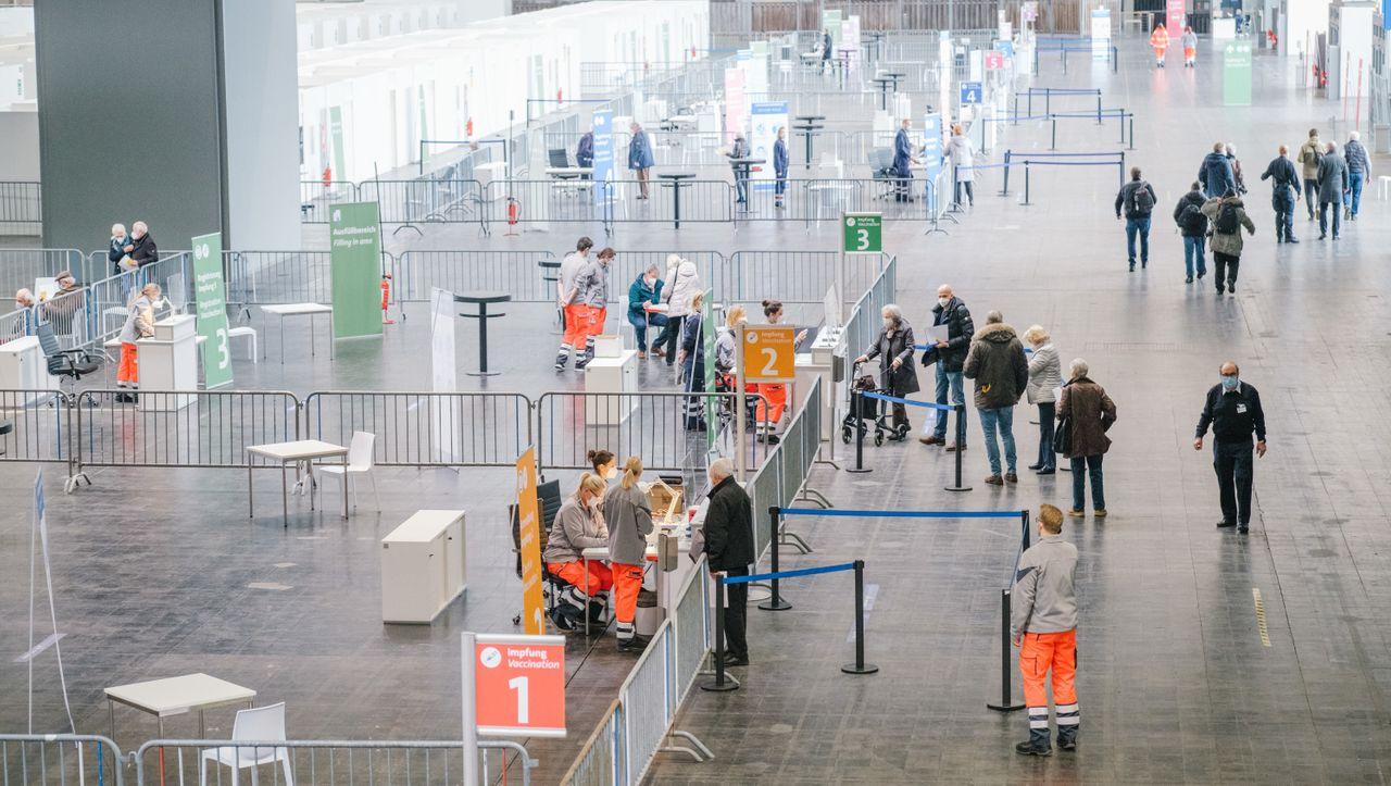 Corona-Pandemie: Ein Drittel der Deutschen will sich nicht impfen lassen - DER SPIEGEL