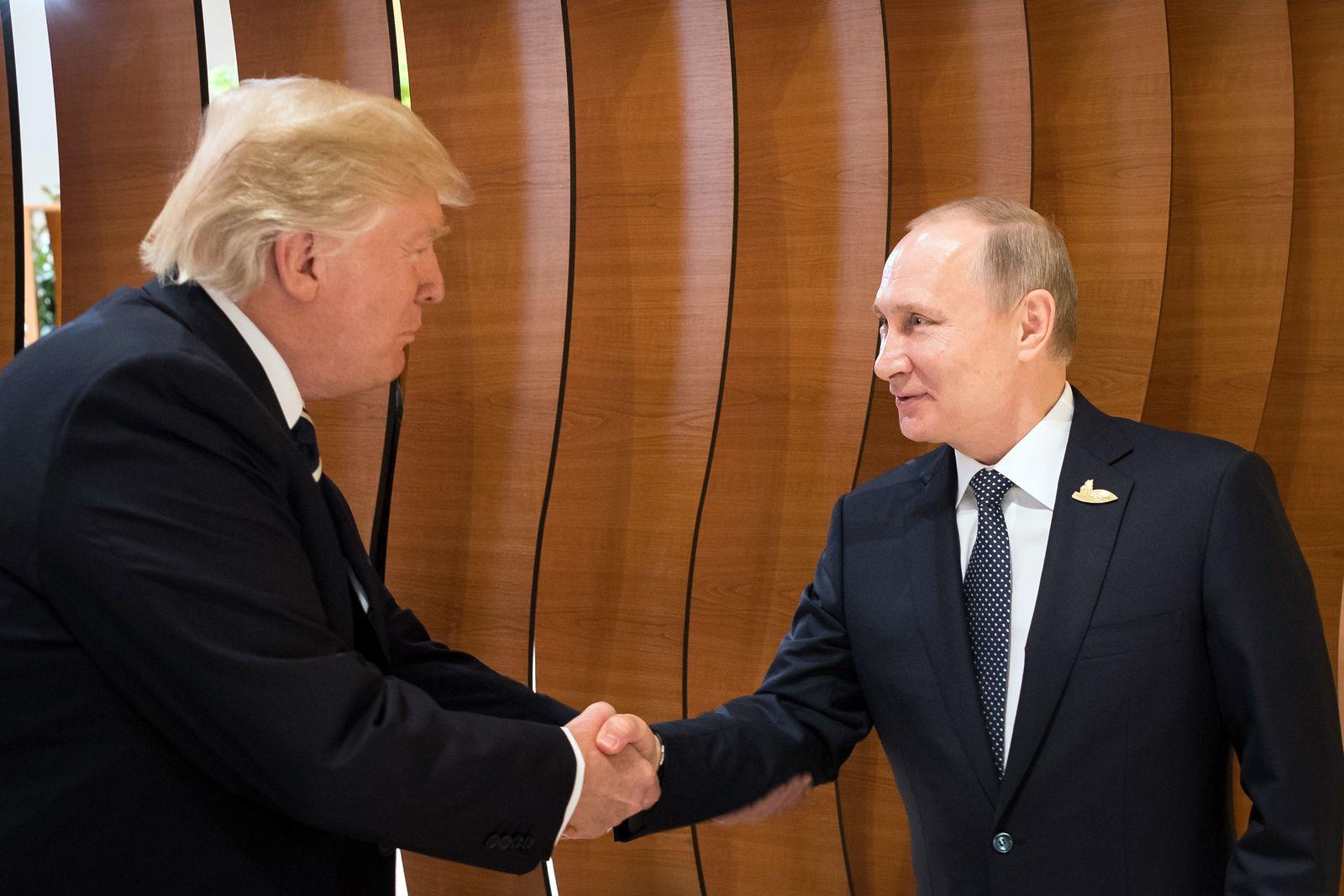 Trump/ Putin/ Helsinki/ Handshake