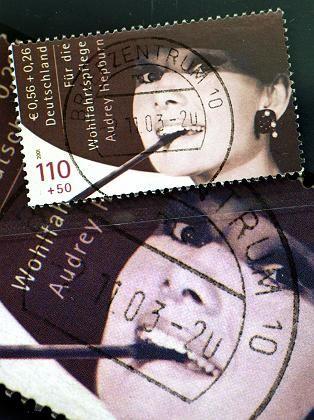 Versteigerte Briefmarke: 58.000 Euro zum Ersten, zum Zweiten und zum Dritten