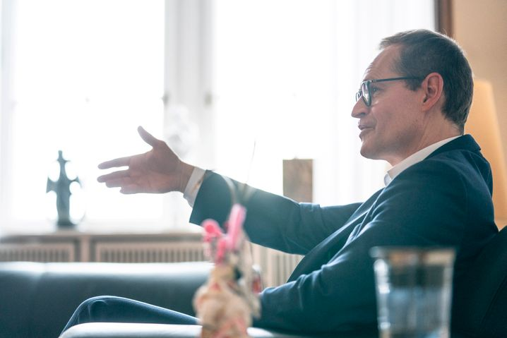 """Müller: """"Zigtausende Klein- und Soloselbstständige stehen vor dem Nichts"""""""