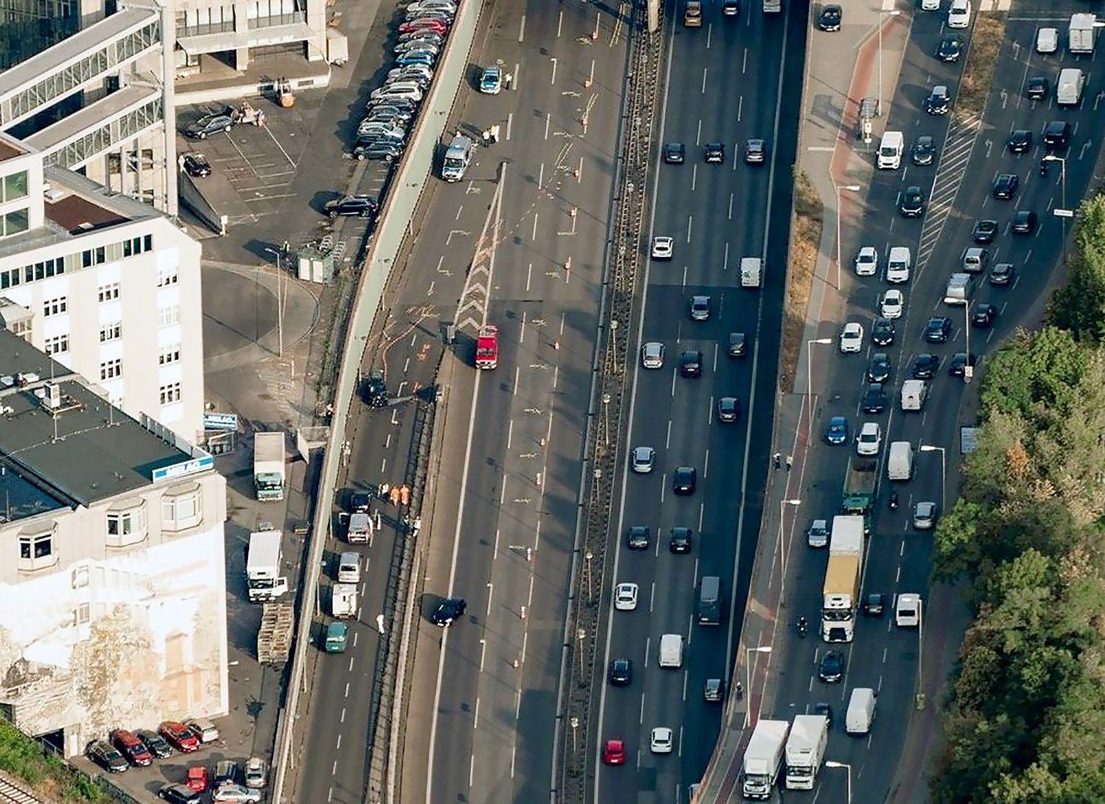 Anschlag auf Autobahn