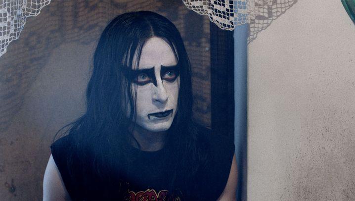 """""""Lords of Chaos"""": Die düsteren Zeiten des Black Metal"""