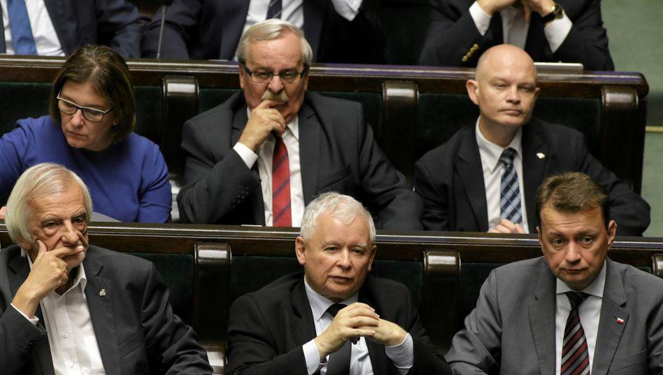 PiS-Chef Kaczynski (Mitte unten) im Parlament