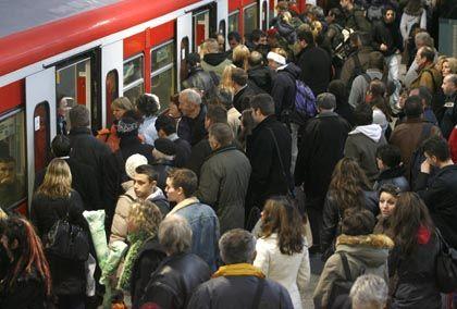 Streik abgeblasen: Zugreisende dürfen am Montag auf weniger Stress hoffen
