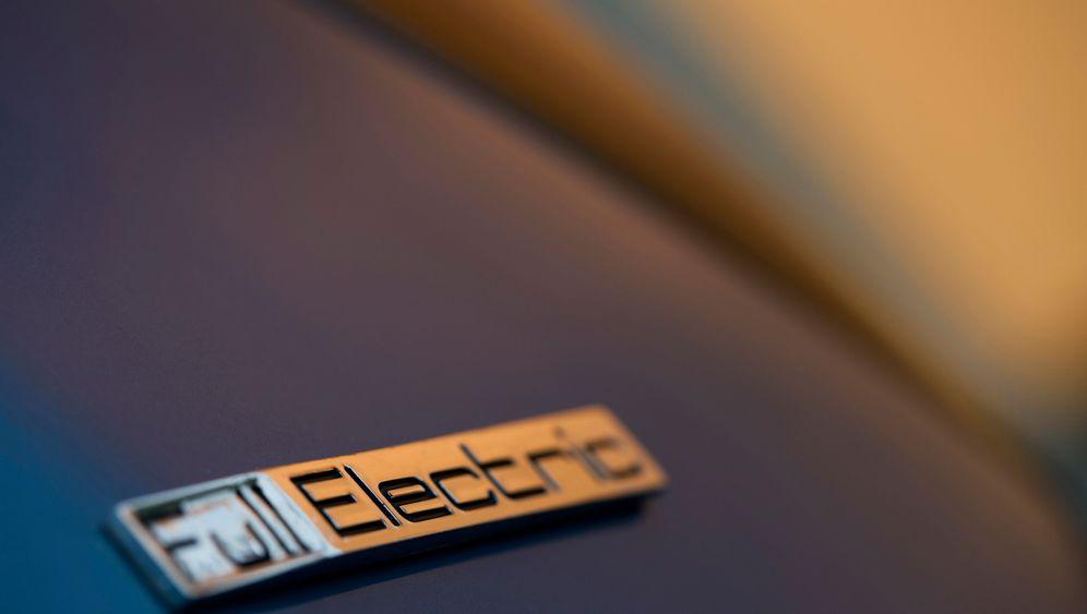 Auf Elektroautokauf: Pionier im Promillebereich
