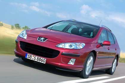 Peugeot 407 SW: Großmauliger Kühler und nach hinten gezogene Scheinwerfer