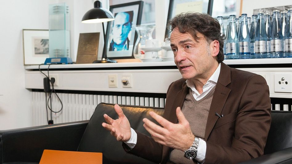Journalist di Lorenzo: »Wie bei der Überzüchtung von Hunden oder Pferden – zu schön, um noch authentisch zu wirken«