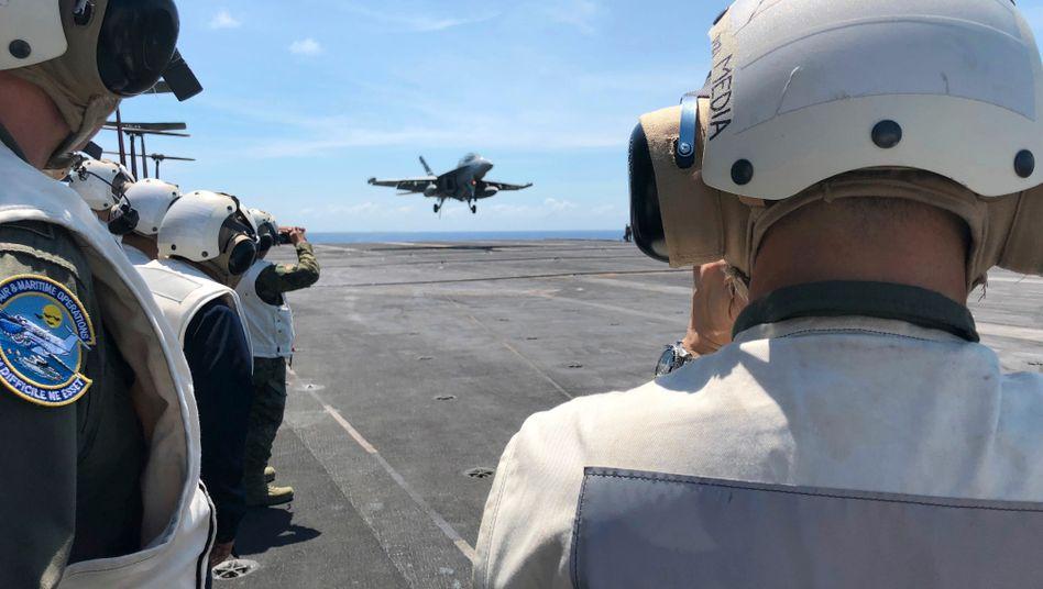 US-Kampfjet auf einem Flugzeugträger: USA und Frankreich exportierten mehr, Russland weniger Waffen