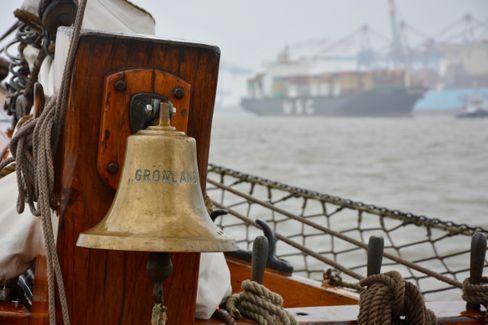 Die Glocke: Das Leben an Bord der »Grönland« folgte einem strikten Takt