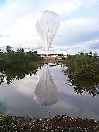 Start des Rekordballons: Steigflug an die Obergrenze der Stratosphäre