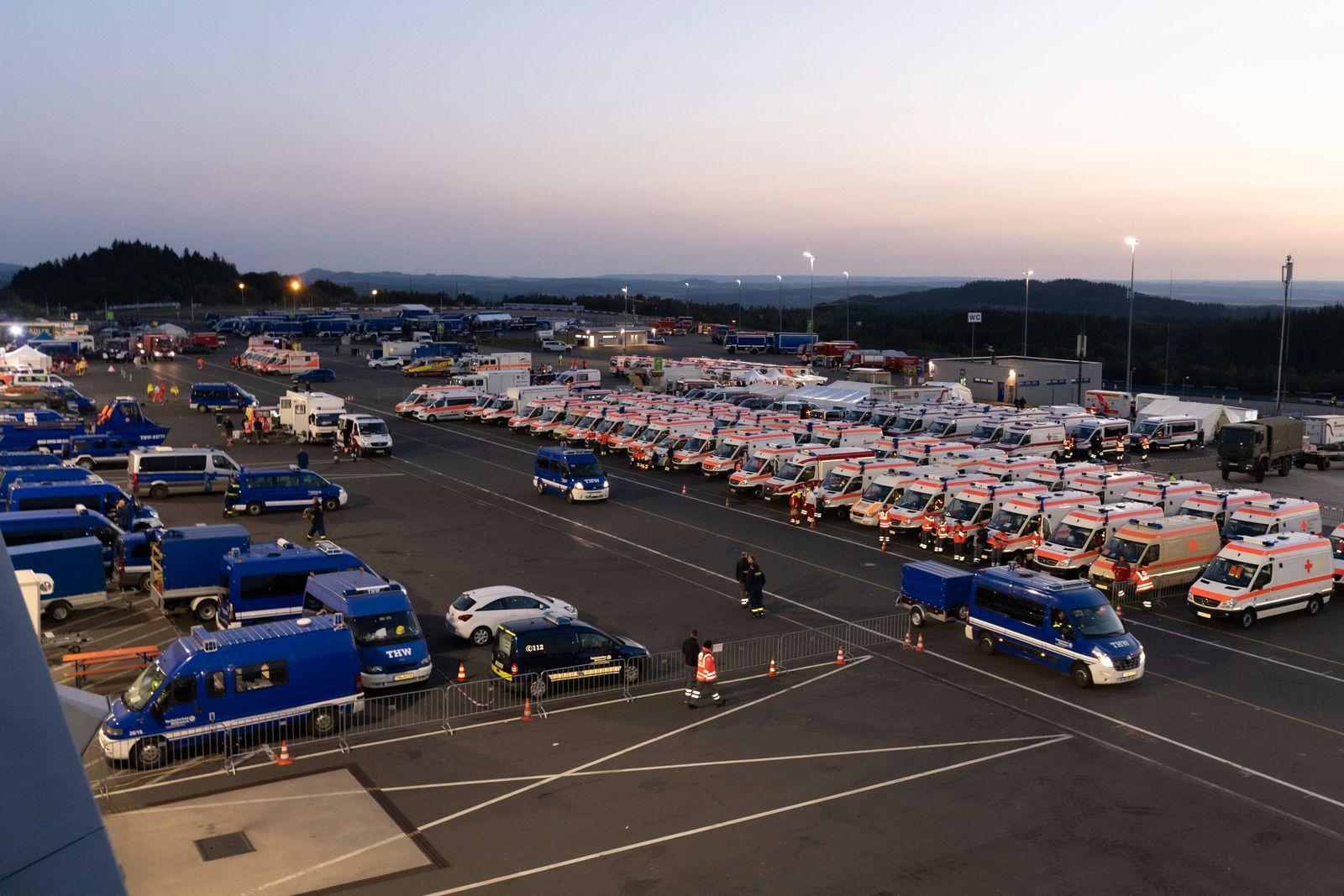 Bereitstellungsraum zur Hilfeleistung der Opfer der Flutkatastrophe in NRW und Rheinland-Pfalz vom 14.07.2021 für die He