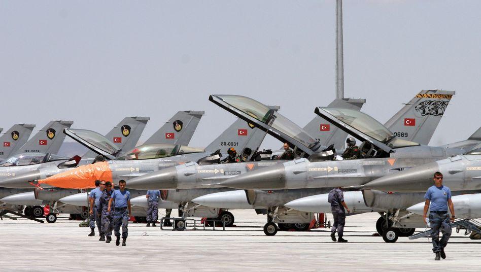 F-16 Kampfjets: Waffengeschäfte im Wert von 55,2 Milliarden Dollar