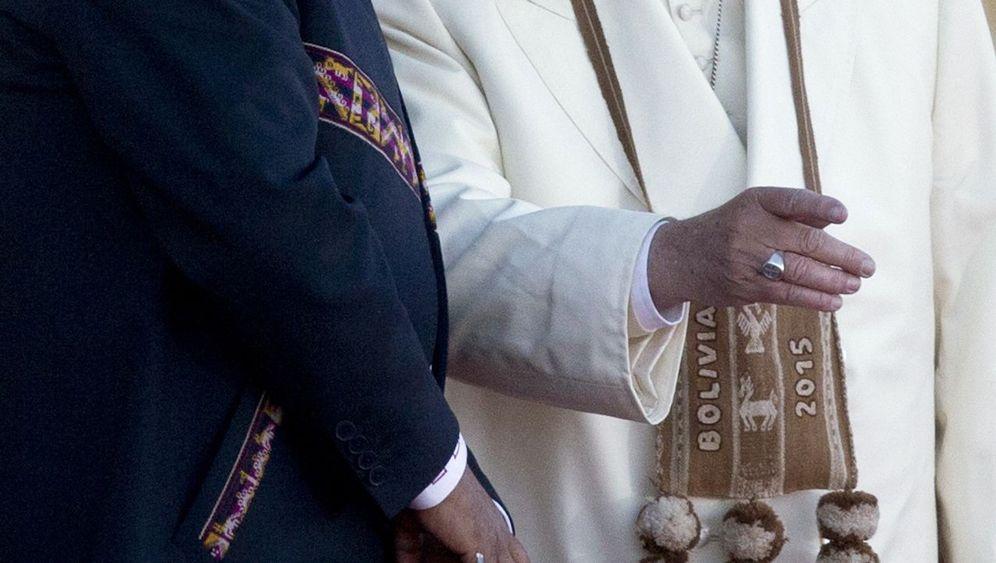 Papst in Bolivien: Kuriose Geschenke für Franziskus