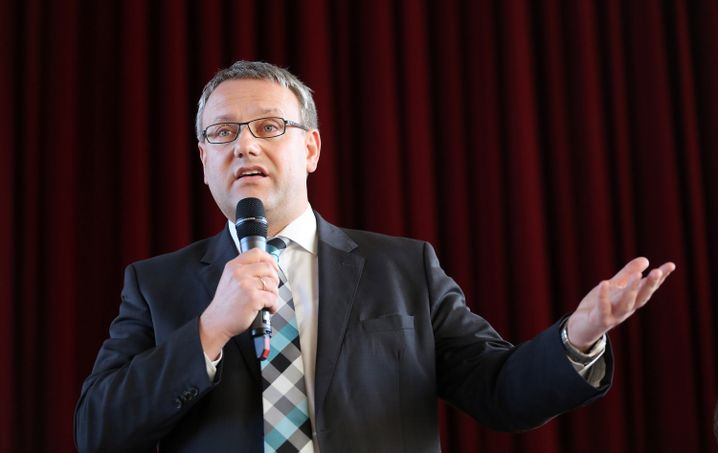 Landrat Götz Ulrich (CDU) bei der Bürgerversammlung