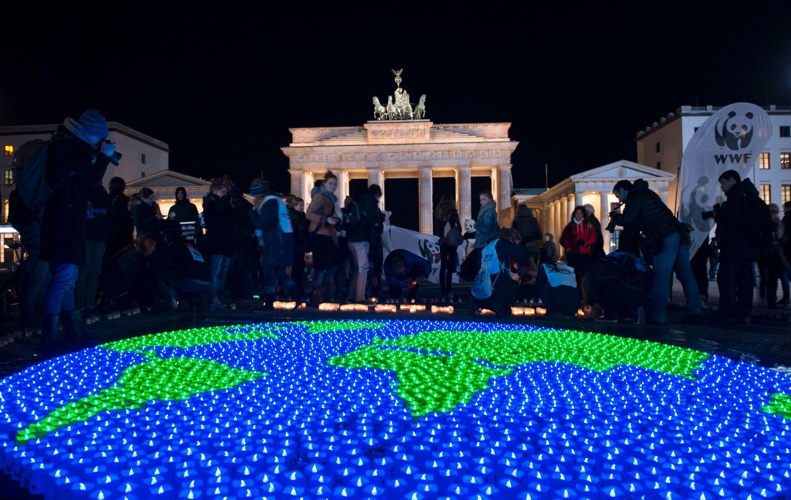 """""""Earth Hour"""" in Berlin"""