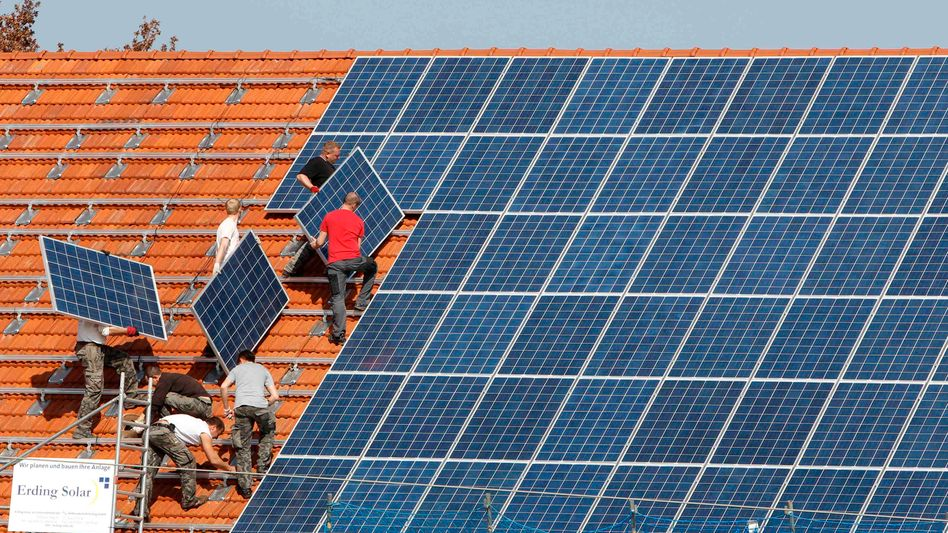 Installation von Solarzellen: Käuferportal nimmt feste Provision von Handwerkern