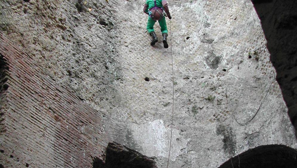 Römische Unterwelten: Archäologen auf den Spuren Kaiser Hadrians