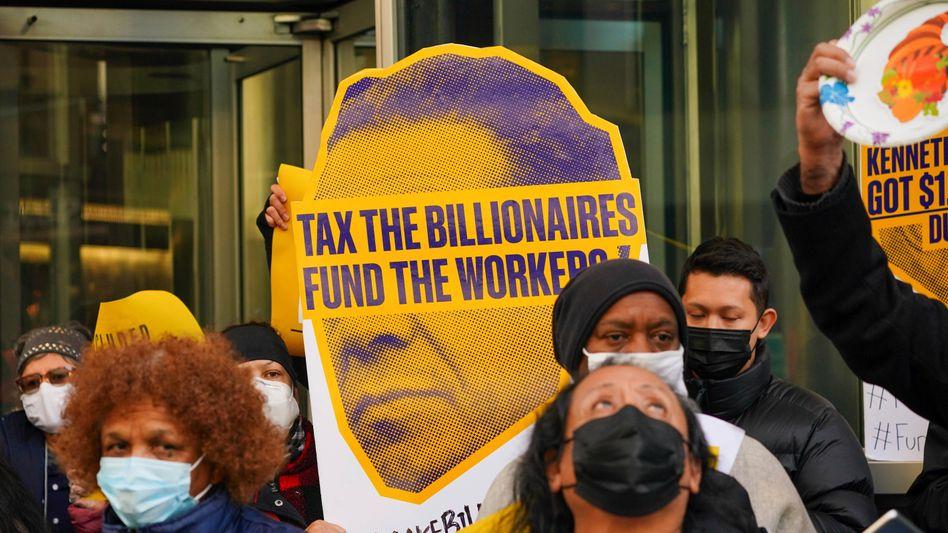 Demonstration für höhere Besteuerung von Superreichen in New York (November 2020)