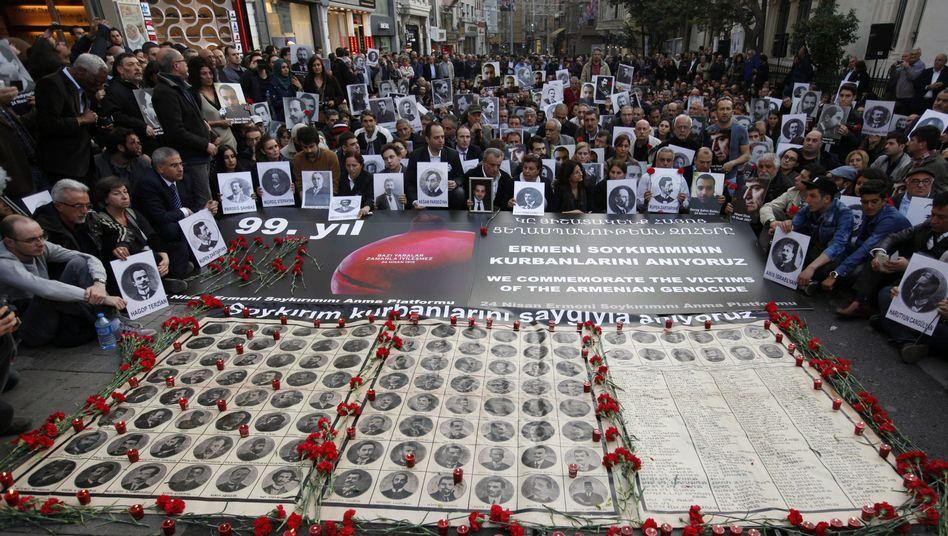 Gedenkveranstaltung in Istanbul: Bis zu 1,5 Millionen Opfer