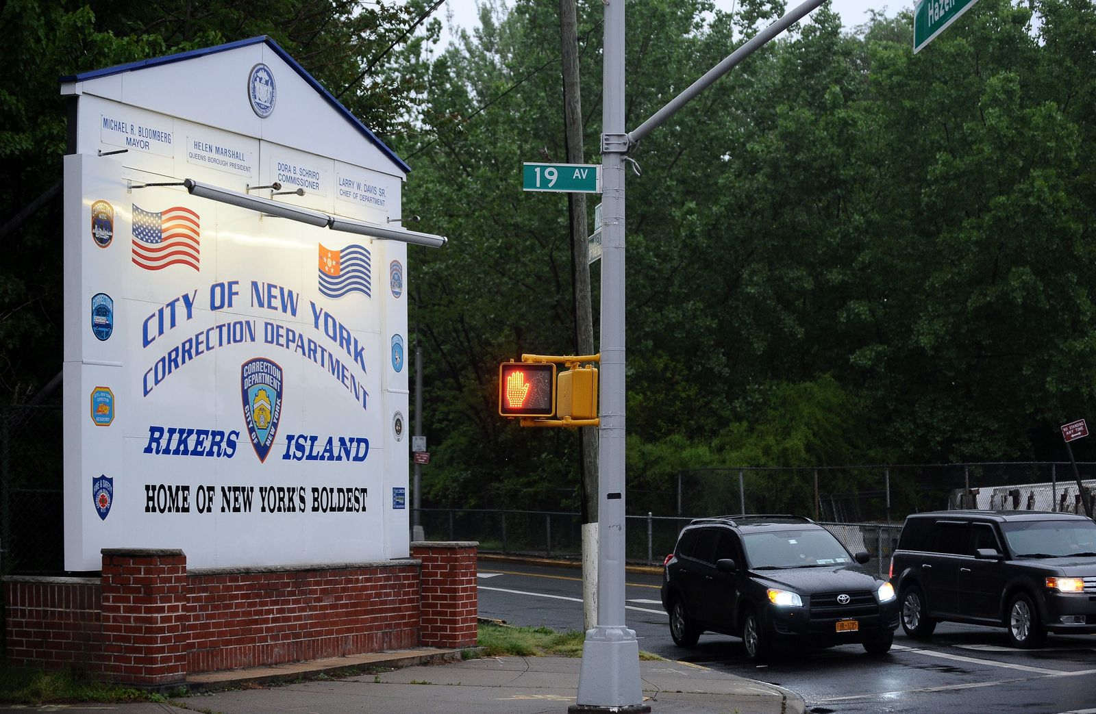 Strauss-Kahn / Rikers Island