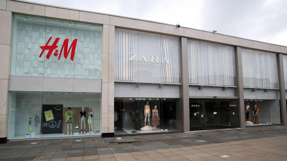 Ein wegen der Coronakrise geschlossener H&M-Store in Großbritannien