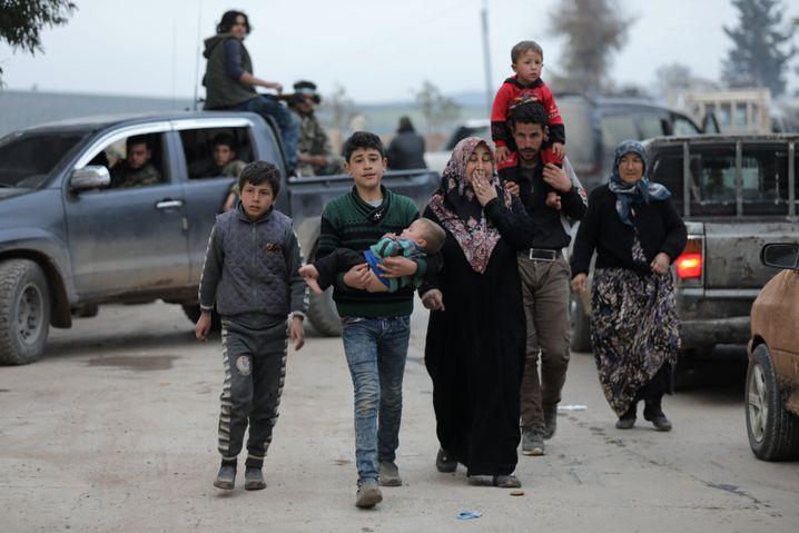Kurden auf der Flucht aus Afrin