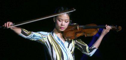 Berufsmusikerin (Violinistin Vanessa Mae im Dezember 2007): Mehr Menschen als bisher vermutet verfügen über ein absolutes Gehör