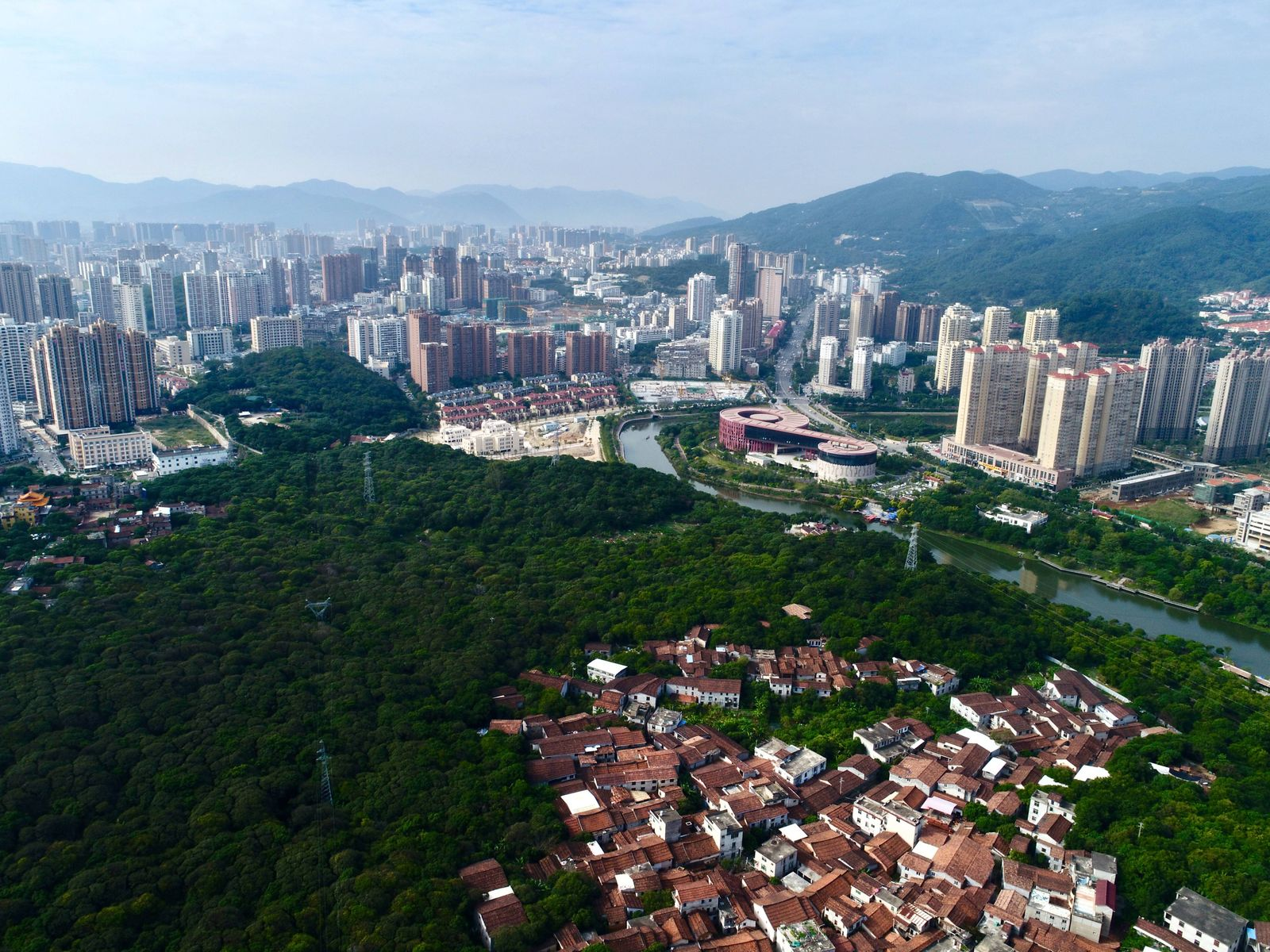 181025 PUTIAN Oct 25 2018 Aerial photo taken on Oct 25 2018 shows a view of Shouxi Park