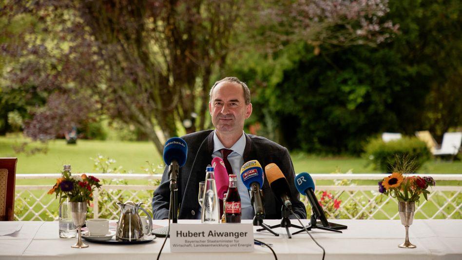 Parteichef Aiwanger: Immer drei Öffnungsschritte voraus