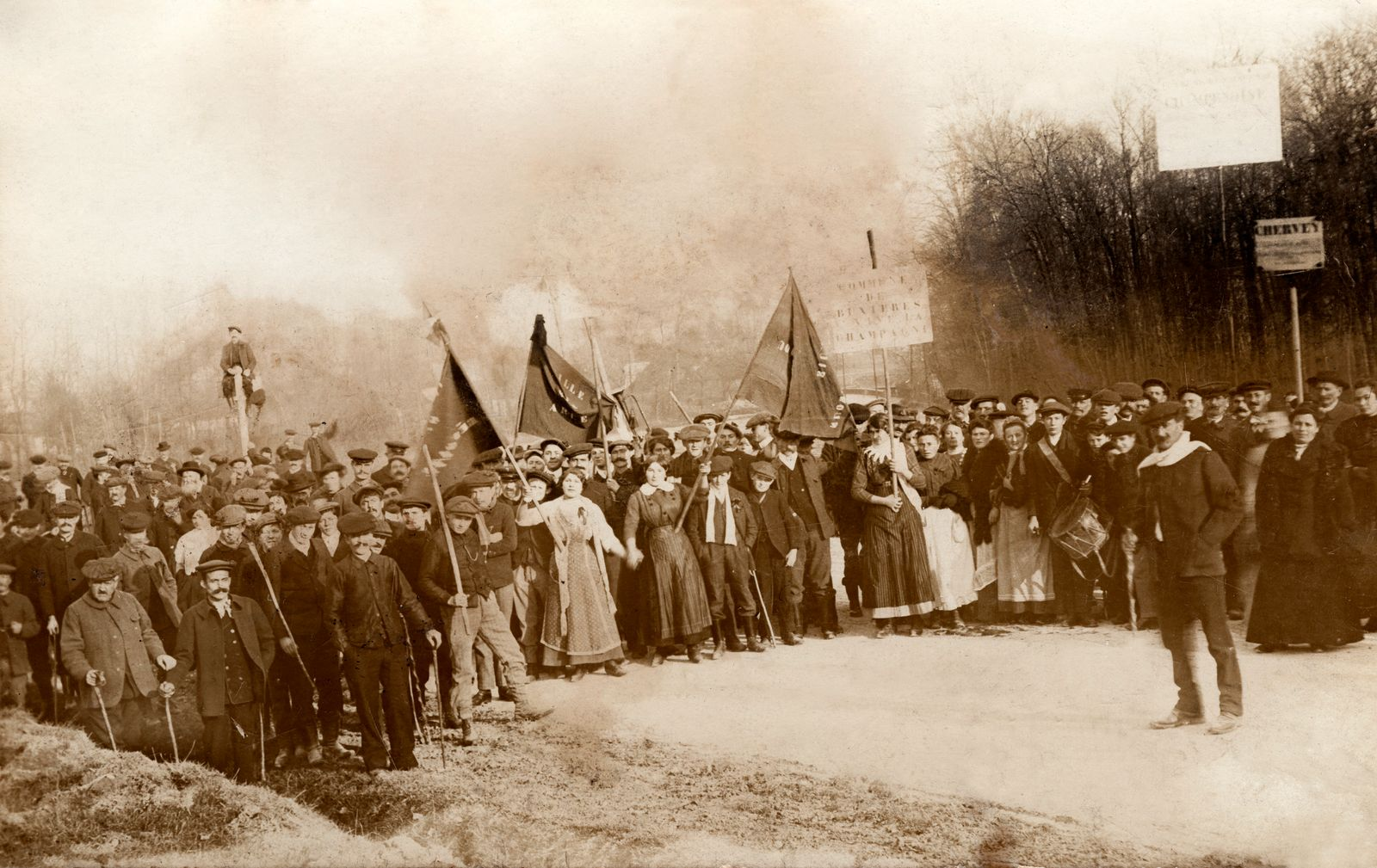 Demonstrators during the strike of winegrowers (France). In 1911.