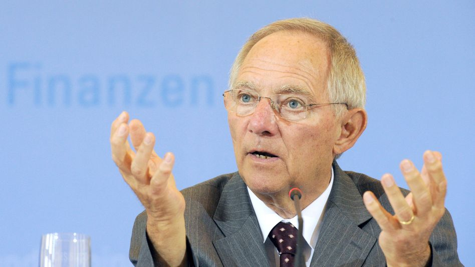 """German Finance Minister Wolfgang Schäuble wants """"a fair burdern-sharing between taxpayers and private investors."""""""