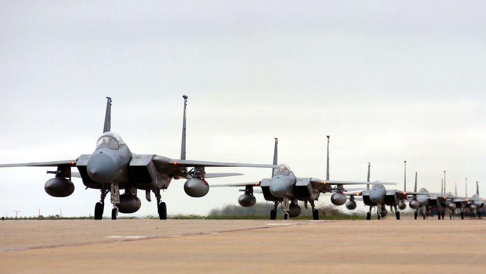 Kampfjets der US Air Force: Obama plant den Alleingang