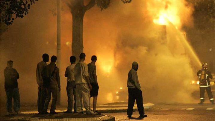 Brennende Vorstädte: Paris im Alarmzustand