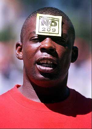 Demonstrant für Affirmative Action: Vorteile für Minderheiten