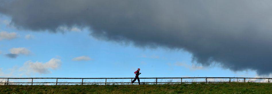 Laufen im Herbst: Auch mit Fieber kein Problem für den Körper?