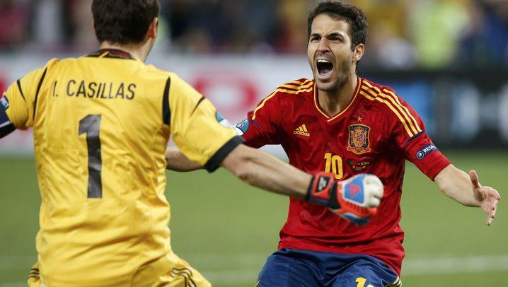EM-Halbfinale: Glückliche Spanier, Pechvogel Alves