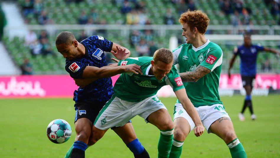 Werder war im Spiel gegen Hertha mehrfach zu spät beim Kampf um den Ball