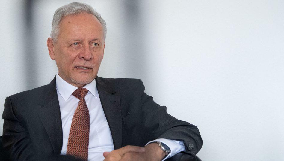 Firmengründer WolfgangGrenkelege sein Aufsichtsratsmandat mit sofortiger Wirkung nieder