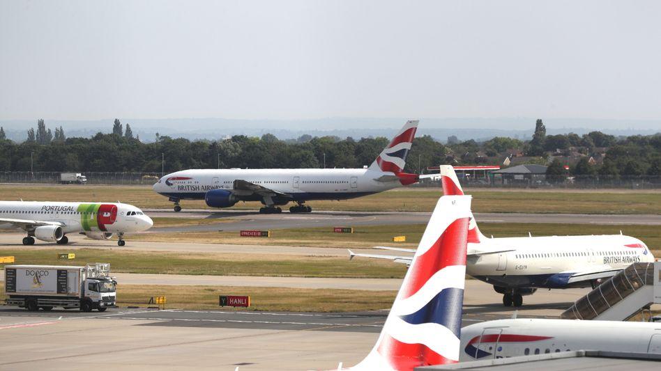 Maschinen der British Airways am Flughafen Heathrow (Archivbild)