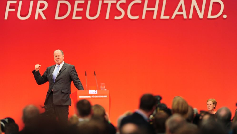 Photo Gallery: The SPD's Gaffe-Prone Candidate