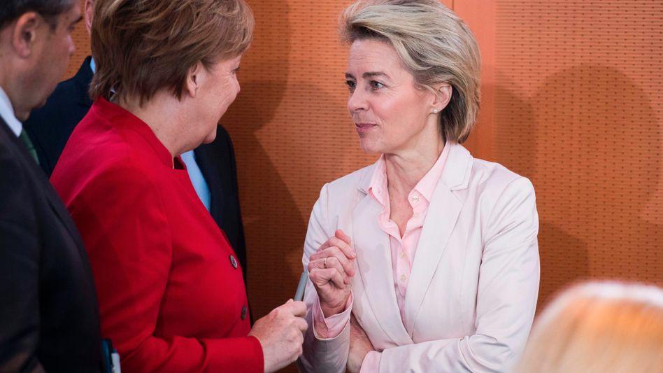 Angela Merkel, Ursula von der Leyen