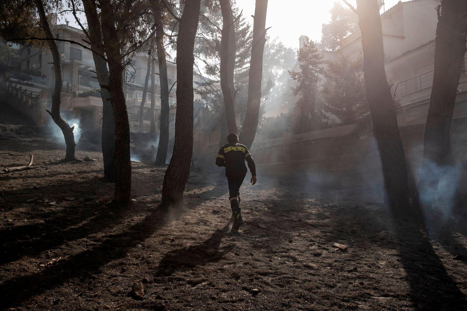 APTOPIX Greece Wildfire