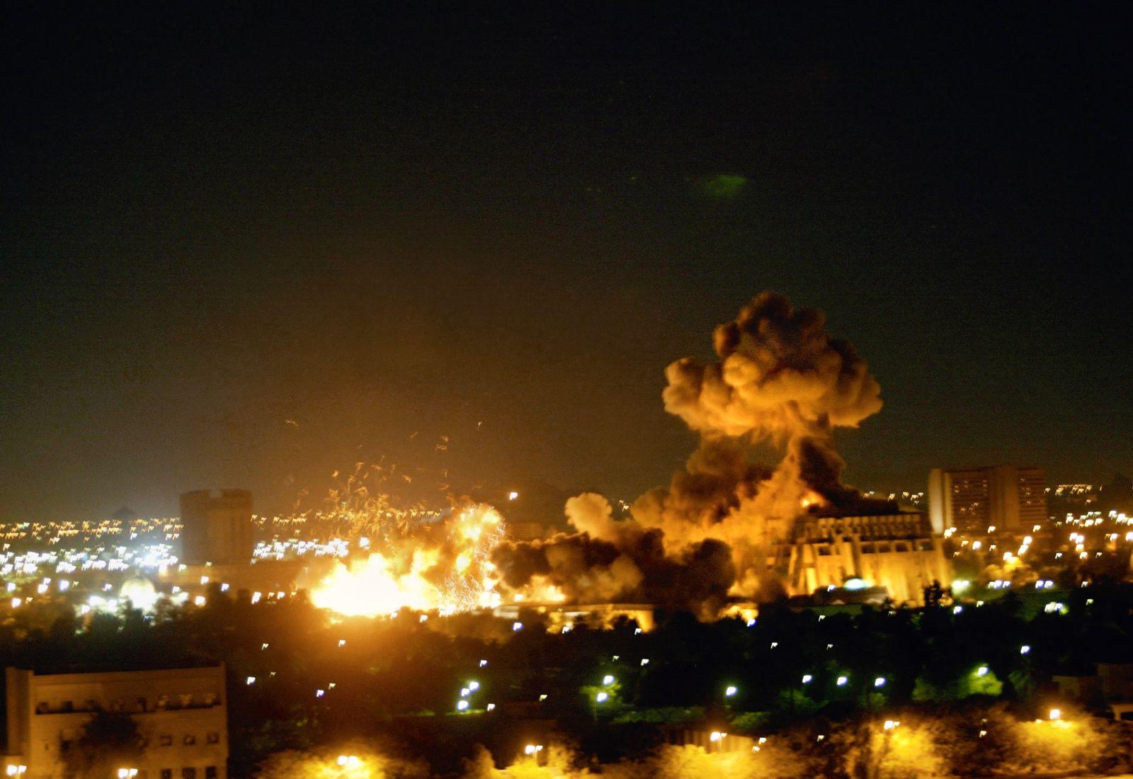Irak / Irakkrieg / Bombe / Explosion / Bombardement / 2000er Jahre #13